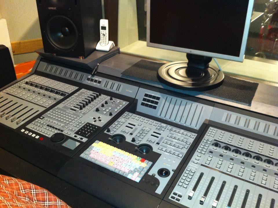 音源の制作やレコーディング、ナレーション録り、編集・加工などの対応が可能です!